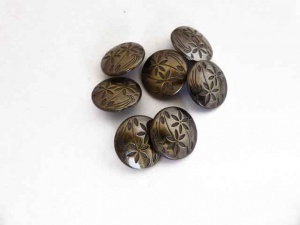''Bronze'' Engraved Floral Buttons