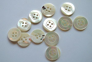 Rowan Medium Natural Mother of Pearl 4Hole Buttons #349