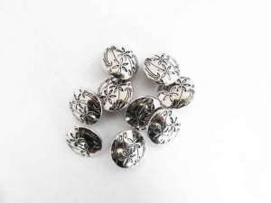 ''Silver'' Engraved Floral Buttons