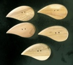 Kauni Dark Teardrop Buttons