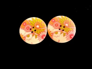 Wooden Lime/Red Floral Buttons