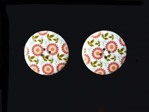 Wooden Red Daisy Buttons