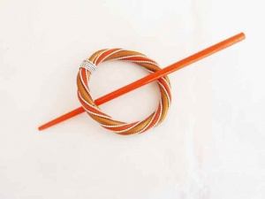 Rattan and Wire Gold and Tangerine Circular Shawl Pin Set