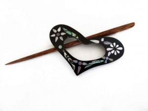Inlaid Shell Heart Floral Shawl Pin Set
