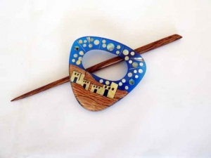 Triangular ''Arabian'' Shawl Pin Set
