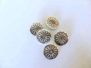 Large ''Silver'' Daisy Buttons