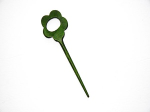 Pollika Daisy Single Stick Shawl Pin - Olive