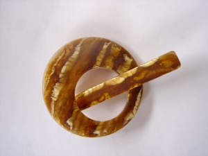 Pollika Mini Honey Shawl Pin
