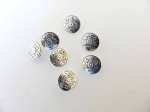 Small ''Silver'' Daisy Buttons